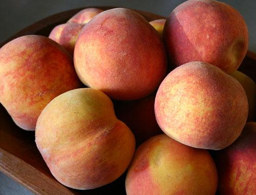 z fresh-sweet-peaches